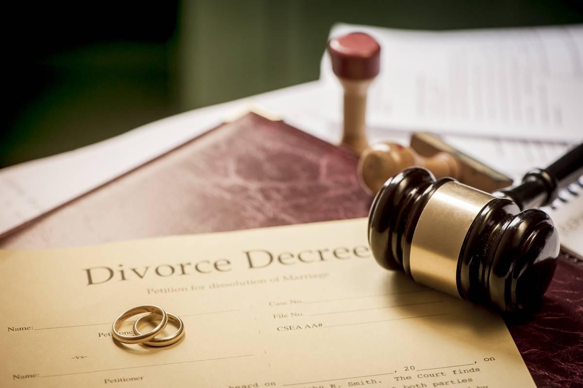 مراحل طلاق با داشتن حق طلاق