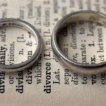 در چه شرایطی مهریه به زن تعلق نمیگیرد - طلاق دادن زن بدون مهریه